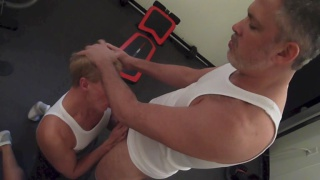 daddy in wife beater gets his dick sucked