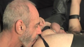 Anthony DeAngelo works his daddy dick into horny bottom