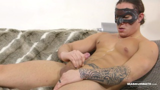 21-year-old muscle hunk jerks off