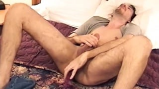 hung stud delivers a hot stroke show