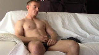 sexy blond aussie muscle boy oscar