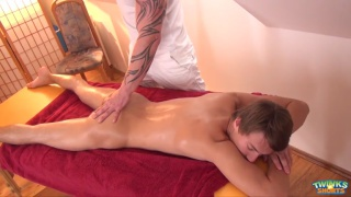 muscled masseur fucks his client's ass