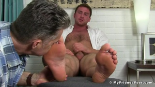 Connor maguire Gets Off Twice Being Worshiped