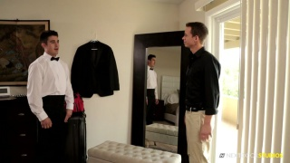 wedding planner blows the groom
