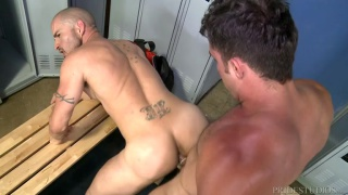 armando pounds ass in the locker room