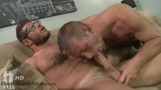 Luke Ewing fucks Scott Riley