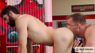 Austin Wolf fucks bearded Tegan Zayne
