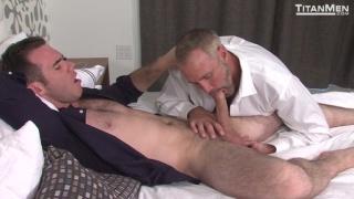 Dallas Steele fucks Matthew Bosch's beefy butt