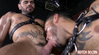 Viktor Rom pounds Mario domenech