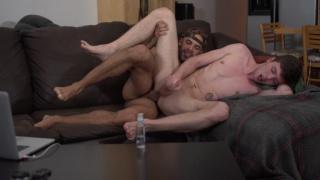austin wilde gives christian his big bare cock