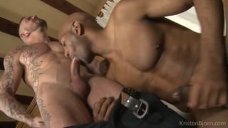 Stephan Raw and William Bravo suck and tease each other