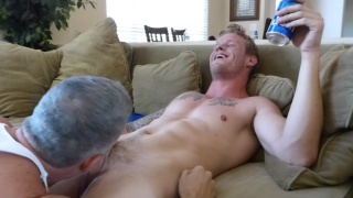 straight boy Sean gets head from silver daddy