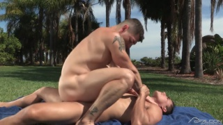 Topher DiMaggio fucks Jeremy Spreadums outside