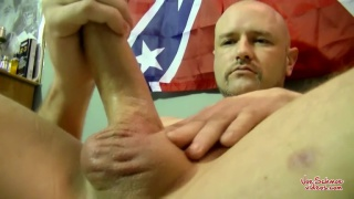 curious guy shares his cock with a dude