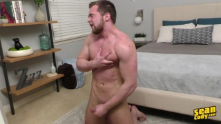 bearded hunk tracey jacks off in front of mirror