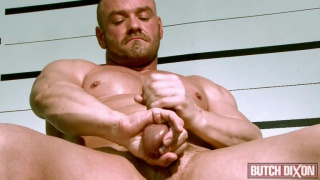 british bodybuilder jerks his dick