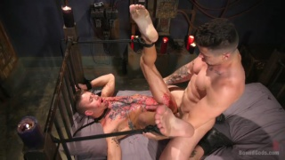 Trenton Ducati wails on Alexander Gustavo's tight hole