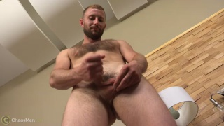 hairy construction stud kodi jerks off