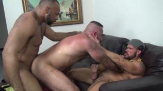 bareback threeway with Alessio Romero