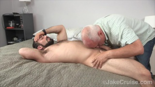 hairy hunk jake wheeler gets sucked off