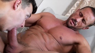 Myles Landon fucks David Plaza