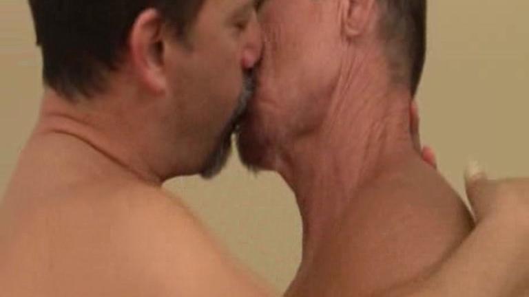 Dudes first threesome website