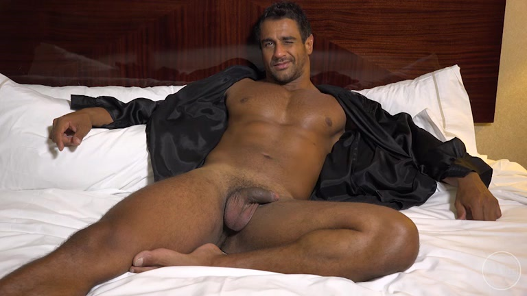 Manly muscular male sucks stiff cock