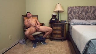 guy winks his butt hole during a JO session