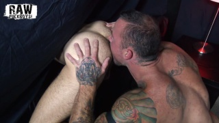 inked muscle hunk rims & fucks an anonymous piece of ass