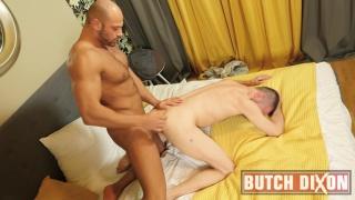 bald muscle hunk fucks a smaller leaner man
