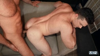 Beefy Hunk Gets Fucked Doggy Style on Couch