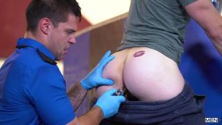 TSA agent discovers a dildo in a passenger's ass