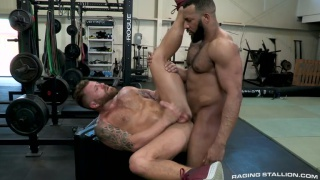 guy gets fucked in the gym during a private training session
