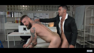 bearded delivery guy gets fucked by the office boss