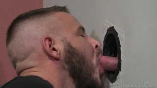 guy gets his dick sucked at a glory hole then fucks the cocksucker