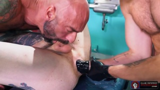bald daddy sucks a bottom while watching him getting fisted