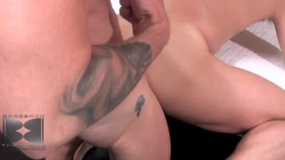 Chris serviced by a hot hole, bareback