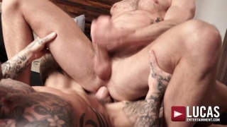 British Bottom Rides an Inked Muscle Hunk's Cock