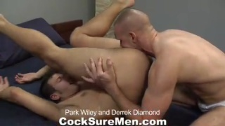 Hot men have raw sex