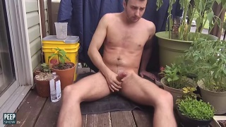 guy films himself jacking off on his rooftop deck