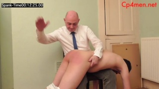 spanking fan beats this site's record for longest spanking