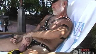 Mature leather silver daddy jacks off