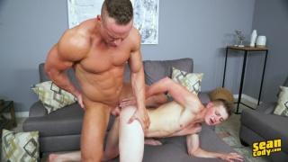 giant muscle hunk fucks a slim guy's ass