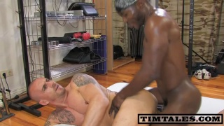 Black muscle top fucks hungry white manhole