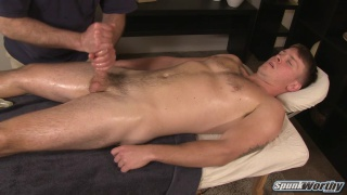 beefy hunk finally gets his happy-ending massage from a guy