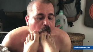 Spanish Daddy Loves Sucking a Man's Toe
