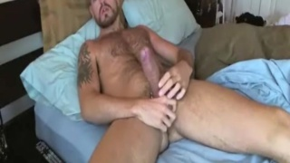 Bearded Man Stroking 9 Incher