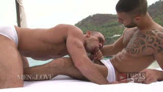 Lovers Fuck Outdoors