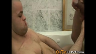 Amateur older guy pisses over younger
