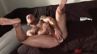 Hairy-chested Stud Jacks Thick Cock